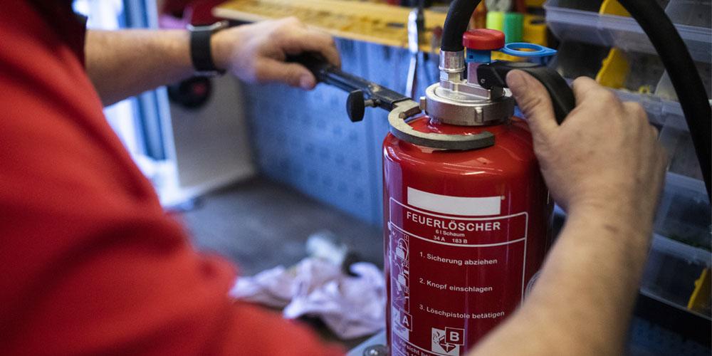 Wartung von Feuerlöschern