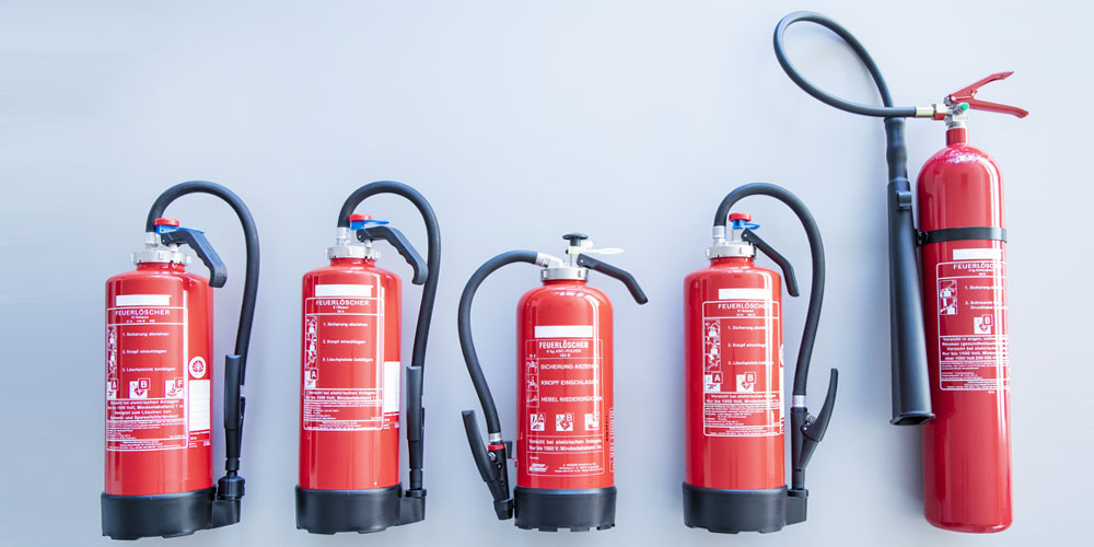 Verschiedene Arten von Feuerlöschern