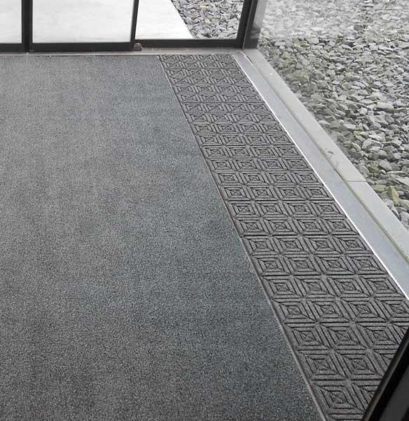 Entreemat met tapijttegels