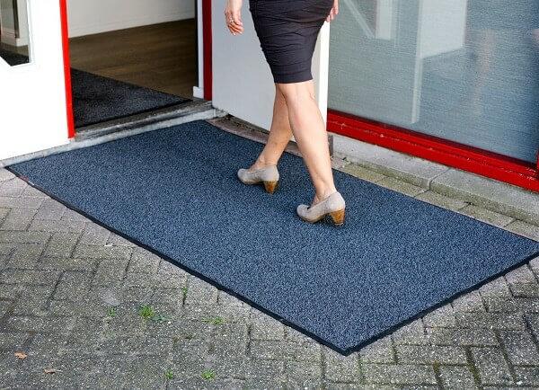 Scraper mat voor een schrapend effect