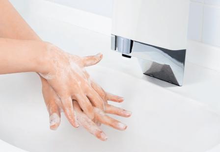 Hygienic handwashing with CWS Smart Wash Plus