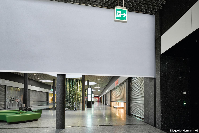 Brandschutzvorhang im Einkaufszentrum 2 von Hörmann