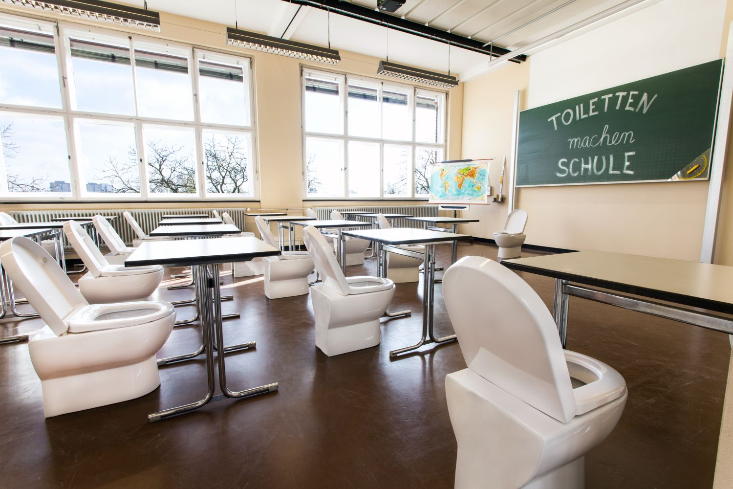German Toilet Organization - Toiletten machen Schule