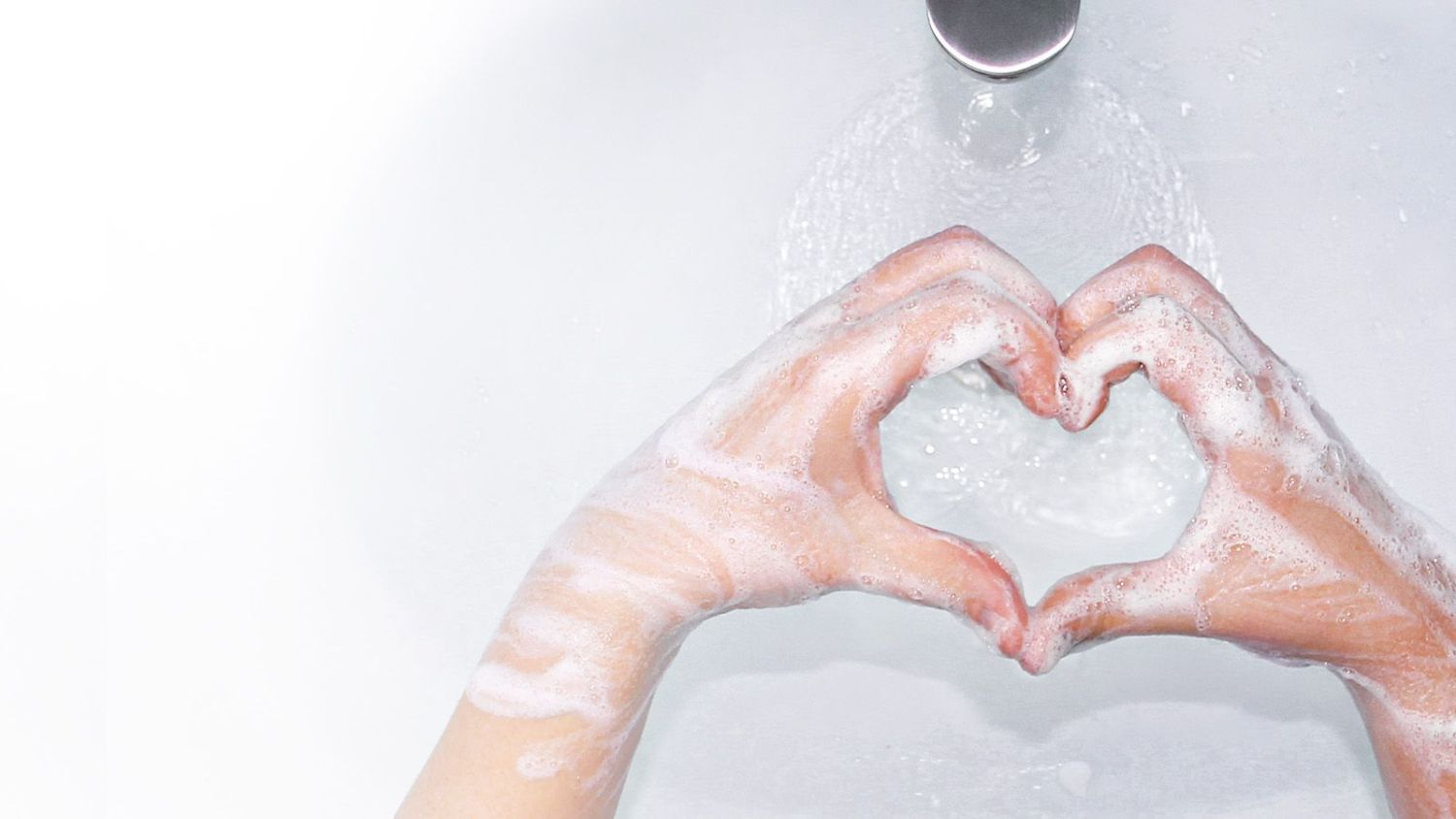 CWS-Keyvisual-Hero-Image-Heart-Handwashing