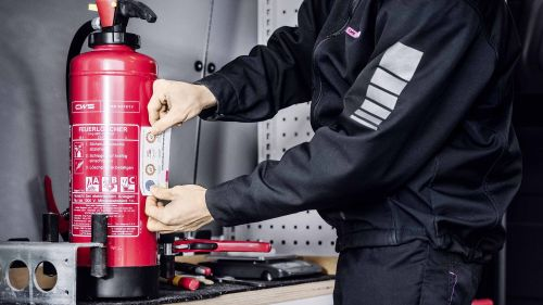 CWS-Fire-Safety-key-visual-fire-extinguisher-int
