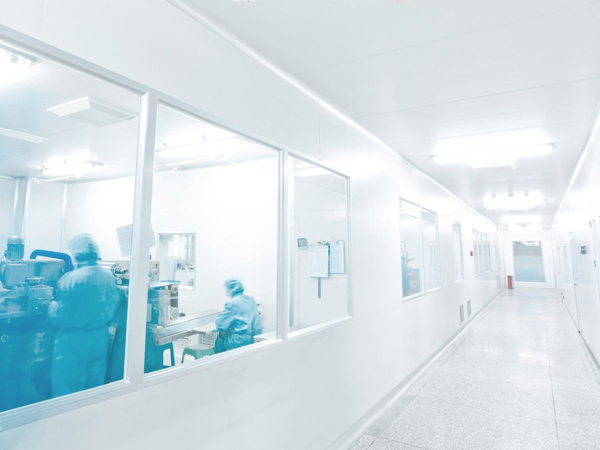 cleanroom-hall-holistic-care-cleanrooms-cws-d